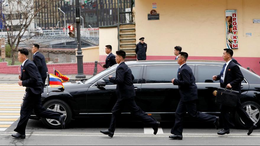 خودروی لوکس تحریمی زیر پای رئیس یک کشورِ تحت تحریم + تصاویر