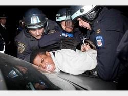 برخورد وحشیانه پلیس امریکا با سیاه پوستان +فیلم