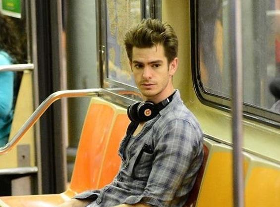 بازیگران هالیوودی که از وسایل نقلیه عمومی استفاده می کنند