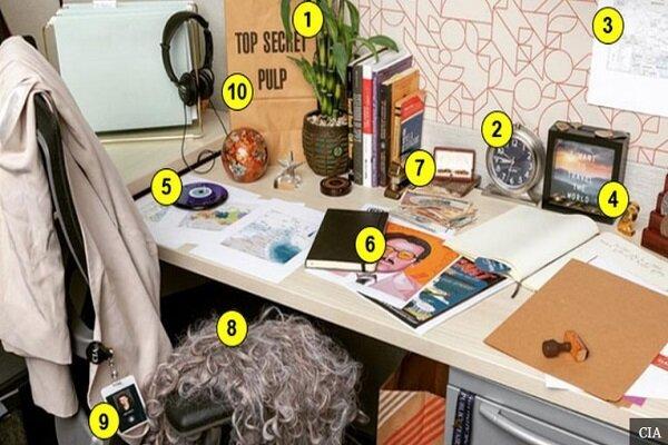 رمزگشایی از تصویر میز کاری که سیا در اینستاگرام منتشر کرد/ پاکت فوق سری و کلاه گیس از چه خبر میدهند؟