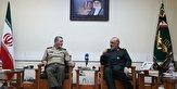 فرمانده کل ارتش با سرلشکر سلامی دیدار کرد
