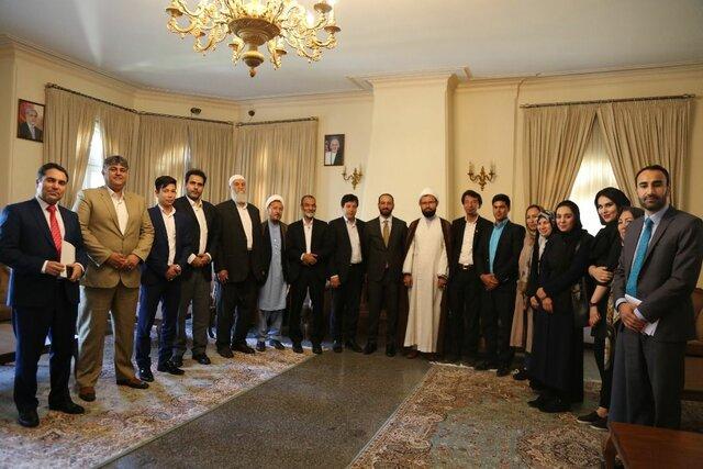 دیدار سرپرست سفارت افغانستان در تهران با نمایندگان مهاجرین در لوی جرگه