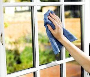 اصولیترین روش نظافت شیشهها