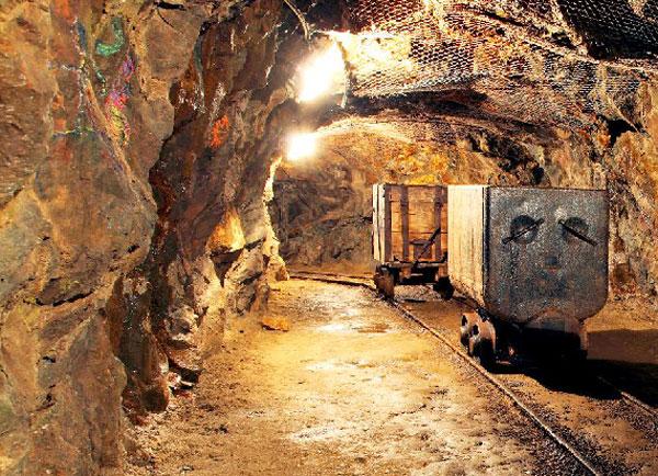 اجرای کامل نقشه راه معدن  ضامن تحول در بخش معدن کشور است