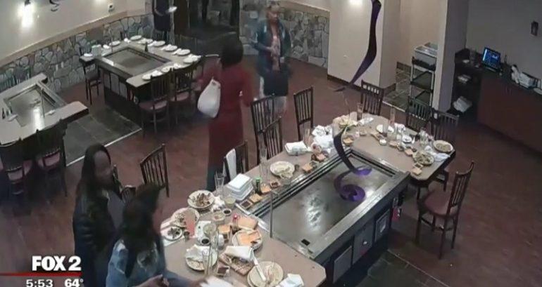 فرار دزدکی مشتریان پس از صرف غذا در رستوران! + فیلم///