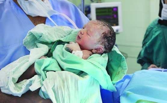 علل گرایش مادران باردار به سزارین چیست؟ +عوارض جراحی