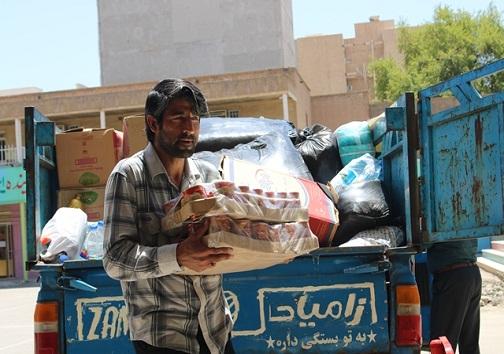 تداوم مهربانی فرهنگیان ناحیه یک اهواز به سیل زدگان+تصاویر