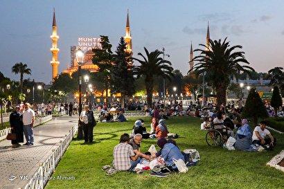 سفرههای افطار در استانبول