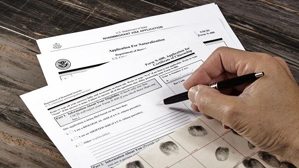 بررسی اطلاعات شبکههای اجتماعی مجازی؛ قانون جدید مهاجرتی آمریکا