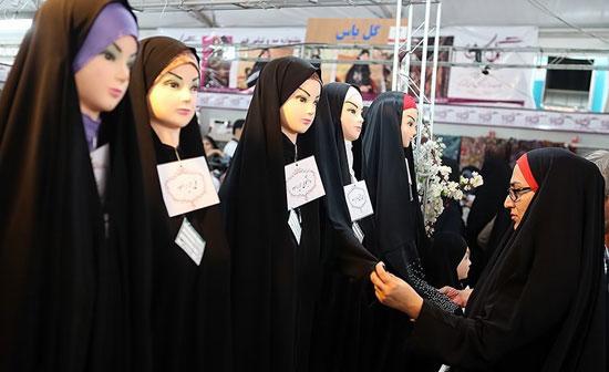 تحویل روزانه ۳۰۰ چادر با دوخت رایگان در نمایشگاه عفاف و حجاب