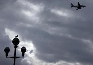 فرانسه خواستار اعمال مالیات بر سوخت هواپیماها شد