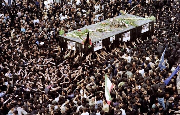 حال و هوای تهران در ۱۴ خرداد ۶۸ از زبان رسانههای خارجی