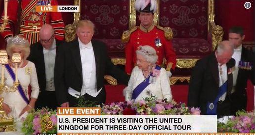 دست زدن به ملکه ممنوع! / ترامپ، پروتکل مخصوص دیدار با ملکه را نقض کرد