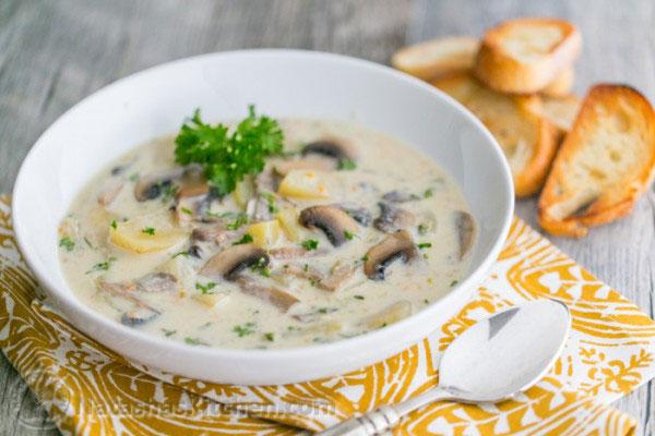 طرز تهیه سوپ قارچ سفید