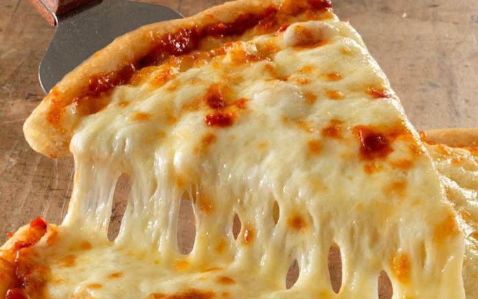 طرز تهیه سادهترین و لذیذترین پیتزا