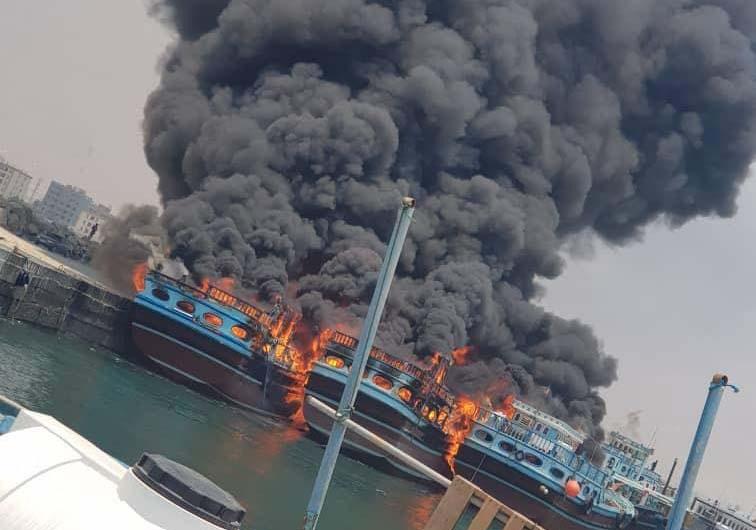 فیلمی از آتشسوزی شناورهای باری در بندر نخل تقی