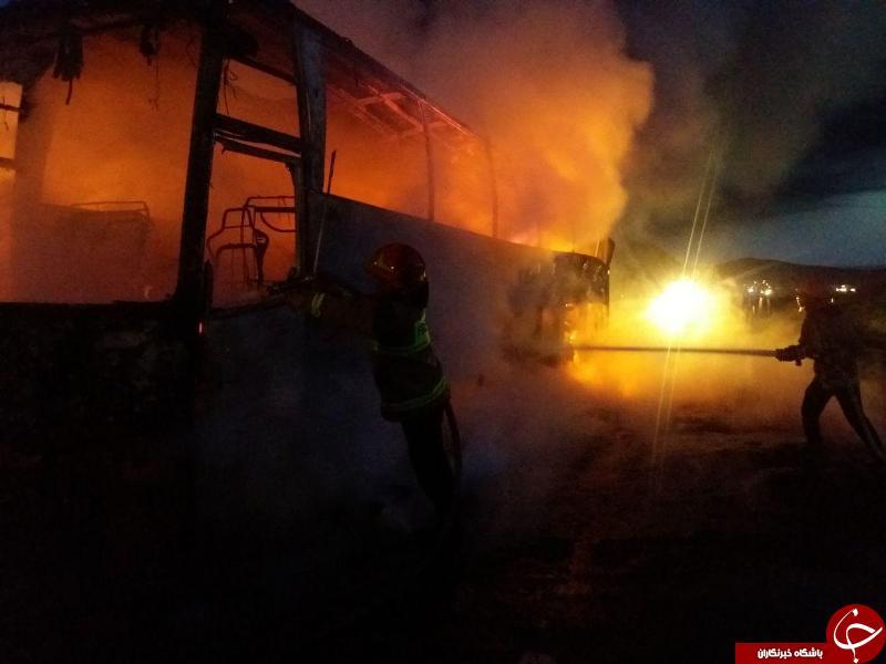 مهار آتش سوزی اتوبوس حامل سربازان وظیفه در محور سبزوار به بردسکن + تصاویر