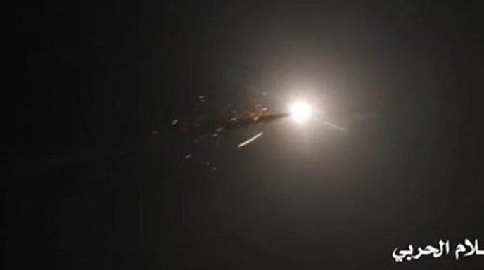 فیلم لحظه انهدام هواپیمای بدون سرنشین آمریکایی در آسمان الحدیده یمن