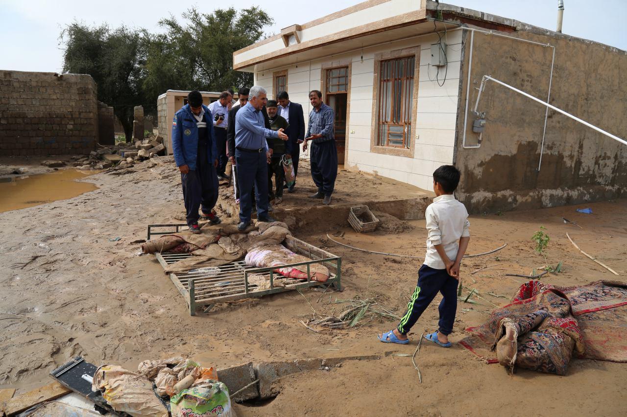 تاکنون به بیش از یک هزار و۵۰۰ خانوار سیل زده ایلامی کمک بلاعوض پرداخت شده است
