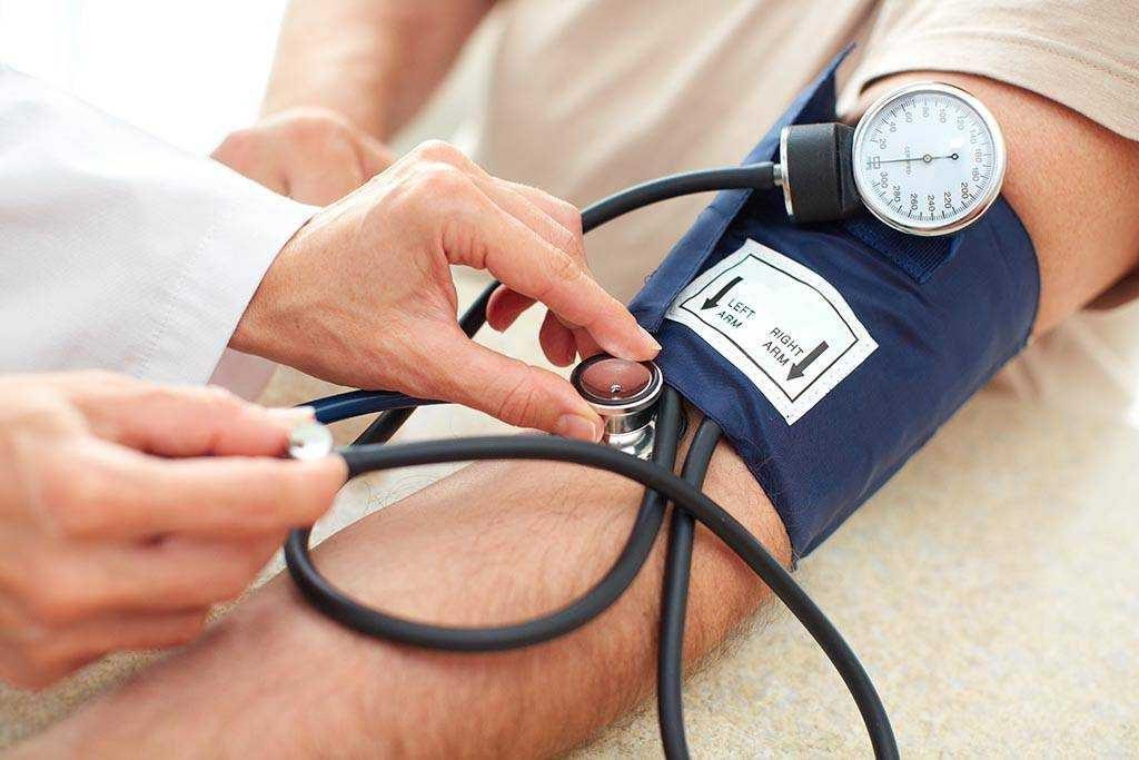 اختصاص ۵ دستگاه اتوبوس جهت تست فشار خون
