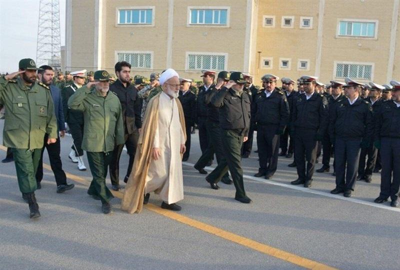 صبحگاه مشترک گرامیداشت فتح خرمشهر در استان مرکزی /آیت الله دری:تسلیم شدن در برابر دشمن سودی ندارد