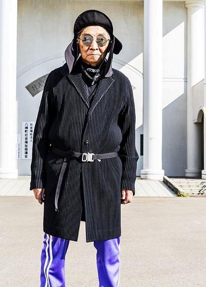 پیرمرد ۸۴ ساله شاخ شبکههای اجتماعی شد+تصاویر