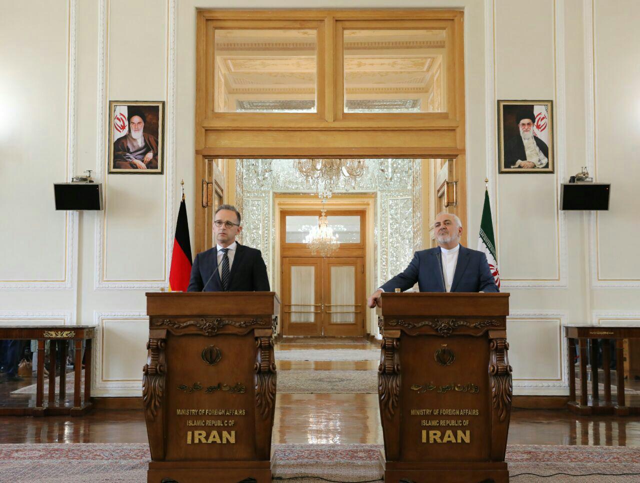 ظریف: ایران موظف است علاوه بر تعهدات بین المللی به حقوق مردمش هم پایبند باشد/ ماس: نمیتوانیم در خصوص برجام معجزه کنیم