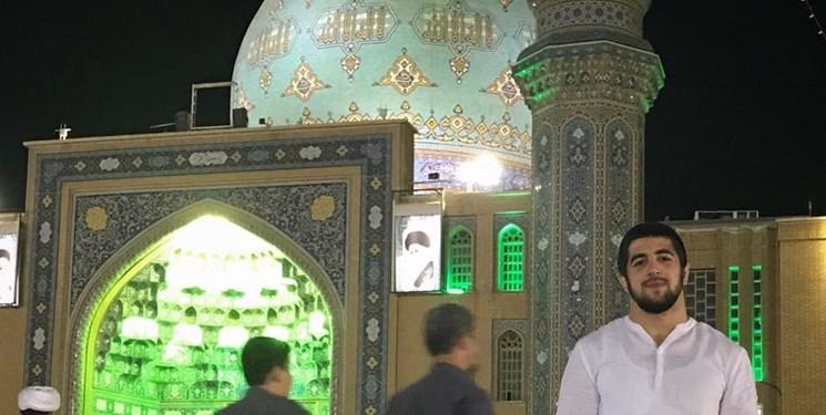 مولای ما سید علی خامنهای است
