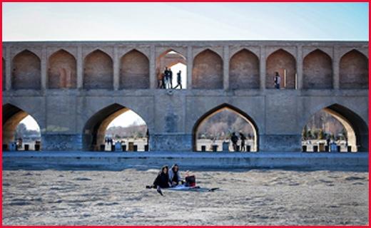 دستگیری اعضای شورای شهر بیله سوار/شهادت ۲ تن از دریابانان میناب در درگیری با قاچاقچیان + عکس/۲۹ کشته و زخمی در حادثه تصادف اتوبوس یاسوج-تهران +اسامی