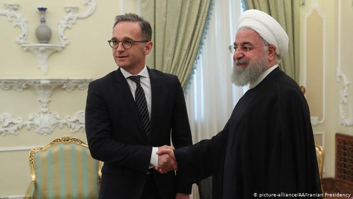 دویچه وله: تهران با وجود چاقوی تحریمهای واشنگتن روی گلویش مذاکره نمیکند