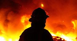 طبقه چهارم برج مروارید مشهد دچار حریق شد/ آتش مهار شد