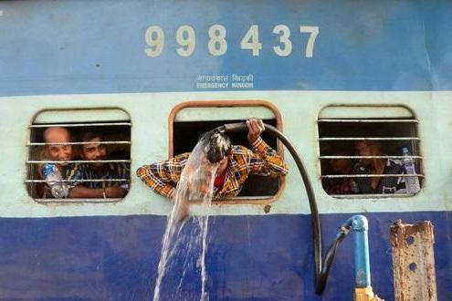 گرمای بیسابقه در هند / دمای هوا از مرز 50 درجه گذشت
