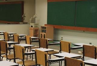 اعترافات معلم شیطانصفت به آزار جنسی دانش آموز ۱۳ ساله + عکس
