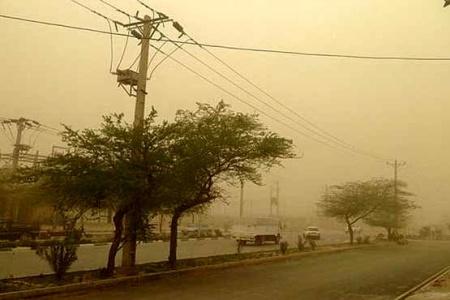 گرد و خاک همچنان میهمان شرق استان کرمان