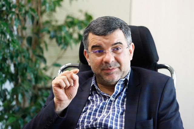 پرهیز برخی شرکتهای خارجی از فروش دارو به ایران با بهانه تحریم/ تا پایان سال کمبودی در زمینه دارو و مواد اولیه دارویی نداریم