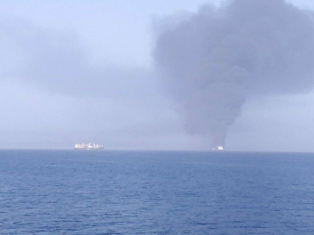 شنیده شدن صدای دو انفجار مهیب در دریای عمان