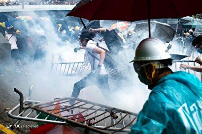 درگیری معترضان به لایحه استرداد در هنگکنگ