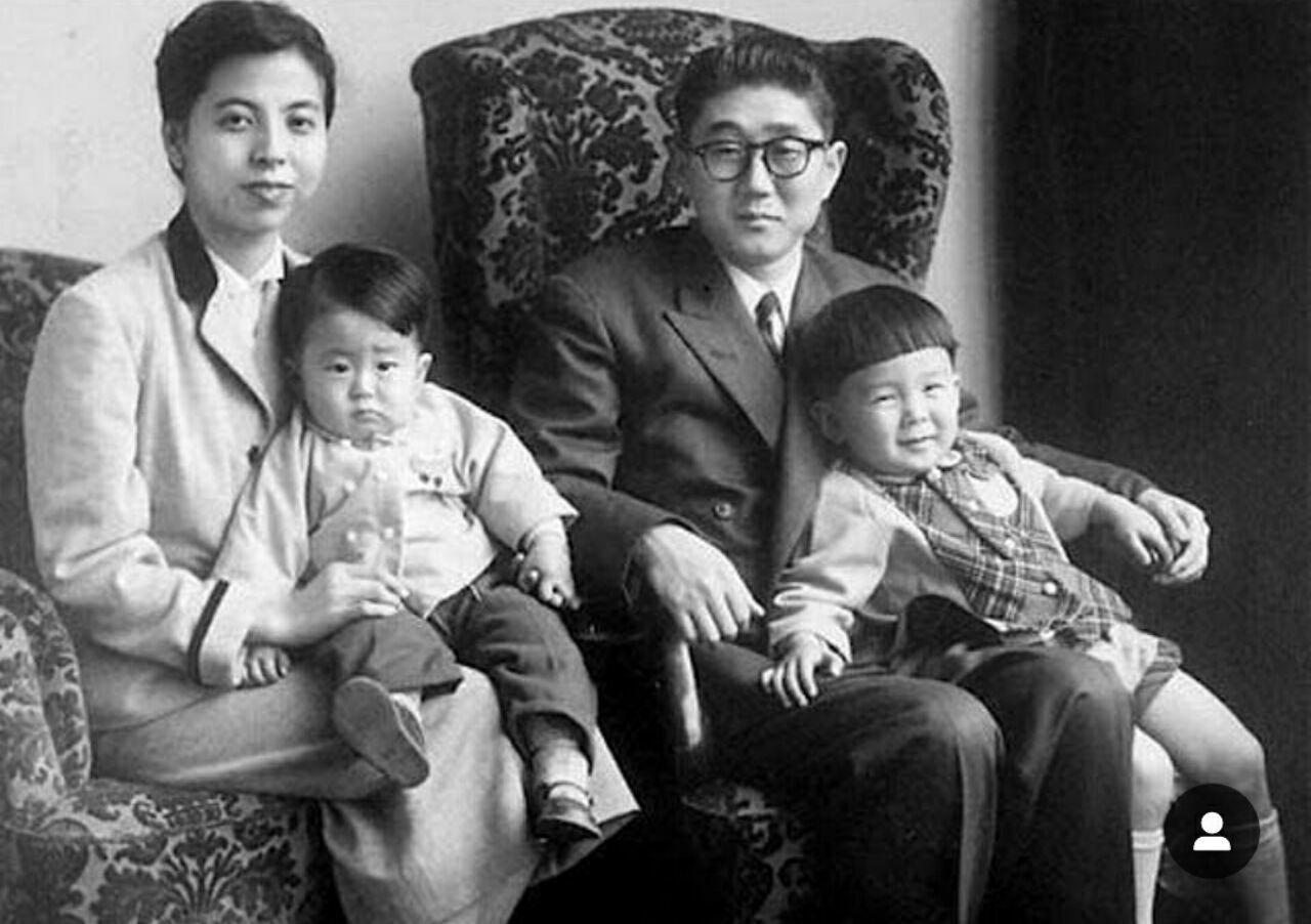 تصویری از کودکی آبه شینزو نخست وزیر ژاپن