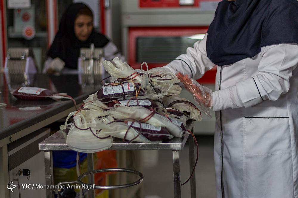 قطرههای خون زیباترین هدیه به شکرانه سلامتی/ آمارهایی که از وضعیت سلامت خون در ایران خبر میدهند