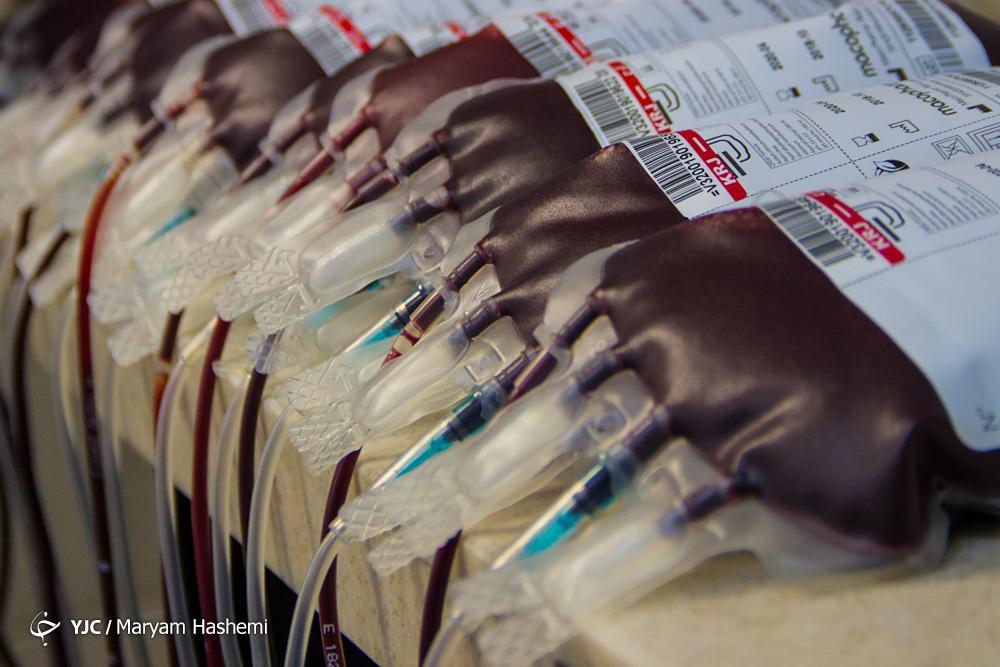 قطرههای خون زیباترین هدیه به شکرانه سلامتی/ آمارهایی که از سلامت خون در ایران خبر میدهد
