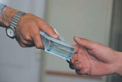 در چه شرایطی قرض گرفتن واجب و در چه زمانی مکروه است؟