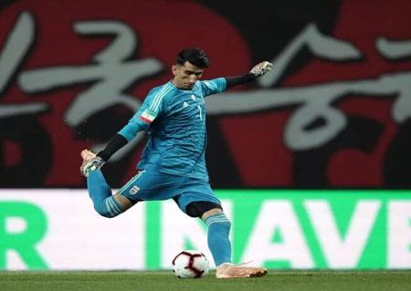 راز شکست ناپذیری مرد شماره یک تیم ملی / بیرانوند با این کفشها نمیبازد!