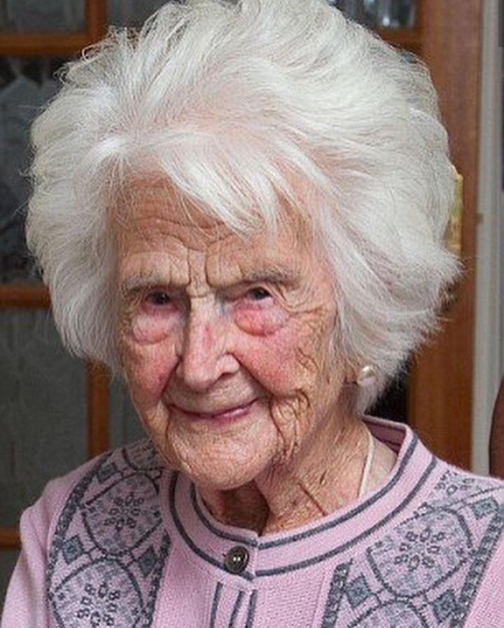 پیرترین زن انگلیس درگذشت + تصاویر
