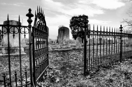 ترسناک ترین گورستان دنیا / همه چیز درباره مکانی که کابوس مردم کانزاس بود!