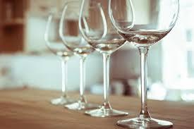 بلومبرگ: عربستان استفاده از مشروبات الکلی را آزاد خواهد کرد