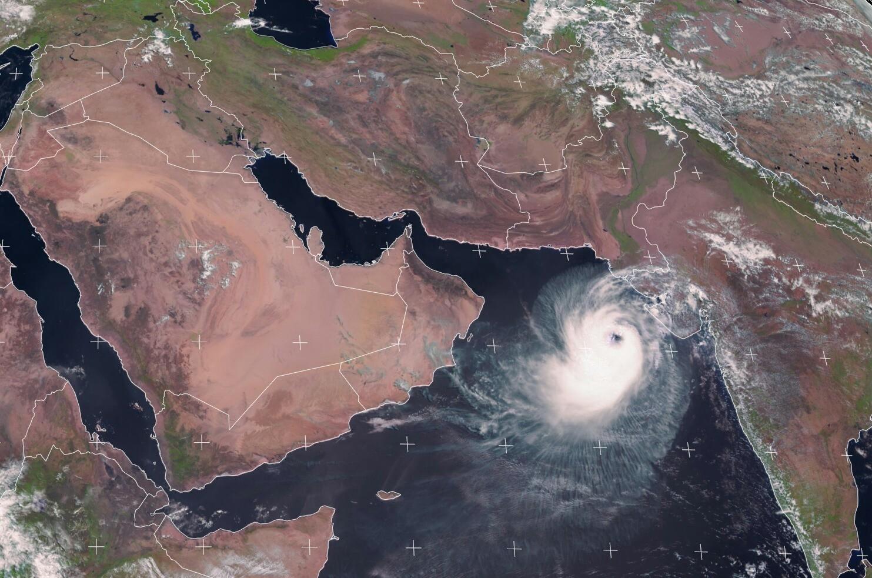 آخرین وضعیت طوفان حارهای «وایو» /توفان در فاصله ۷۵۰ کیلومتری سواحل چابهار است