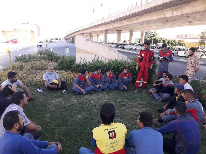 آمادگی خدمات رسانی سه تیم آتش نشانی در شیراز