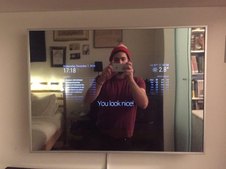 از پرو لباس تا یادآوری قرارهای کاری؛ آینهای عجیب که دستیار شخصی شما میشود