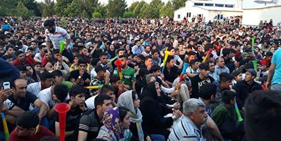 پایتخت والیبال آسیا غرق شادی و سرور/شادی والیبال دوستان در پایتخت والیبال پس از برد ایران در مقابل لهستان