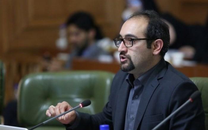 کاظمی/تذکر عضو شورای شهر نسبت به تغییر در وضعیت کارت بلیت خبرنگاران